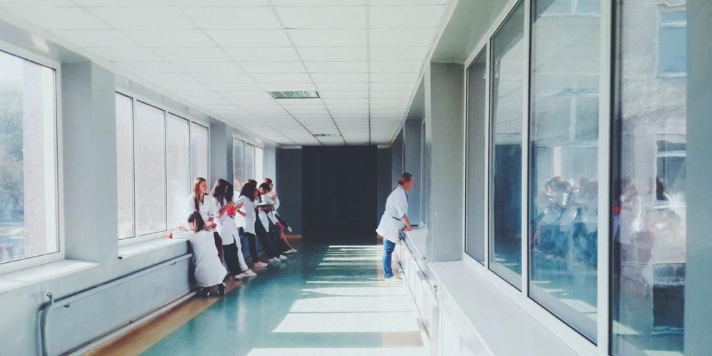 Sjukhus, typisk arbetsplats för sommarjobb