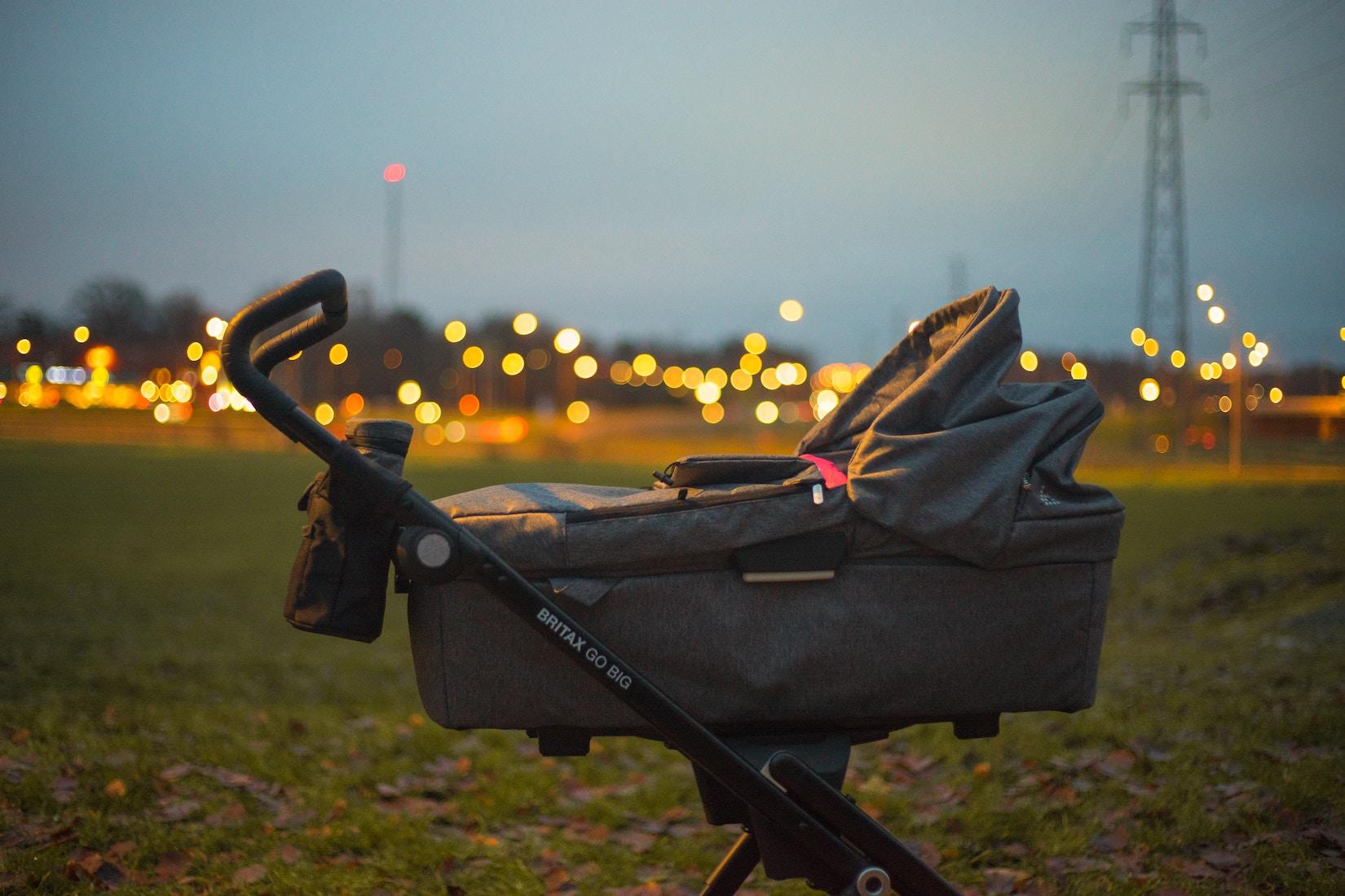 Barnvagn, liggdel, barnvakt i Stockholm