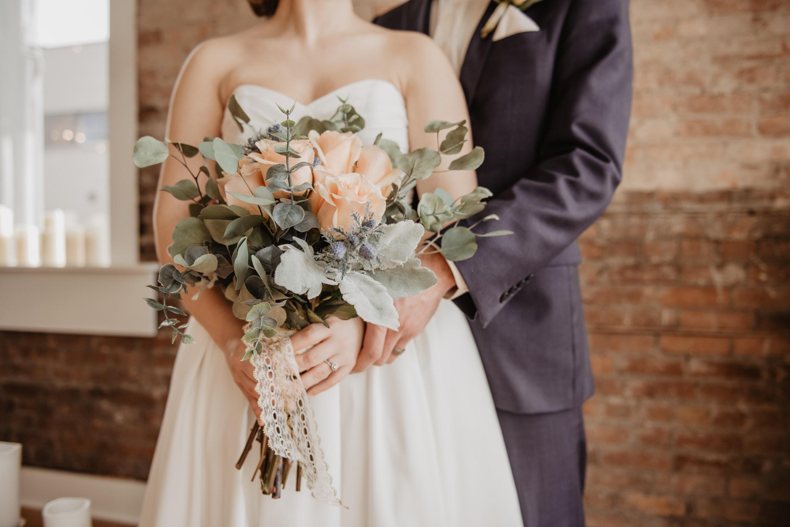 boka barnvakt för bröllopet