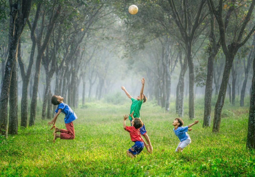 Roliga lekar att leka med barnen
