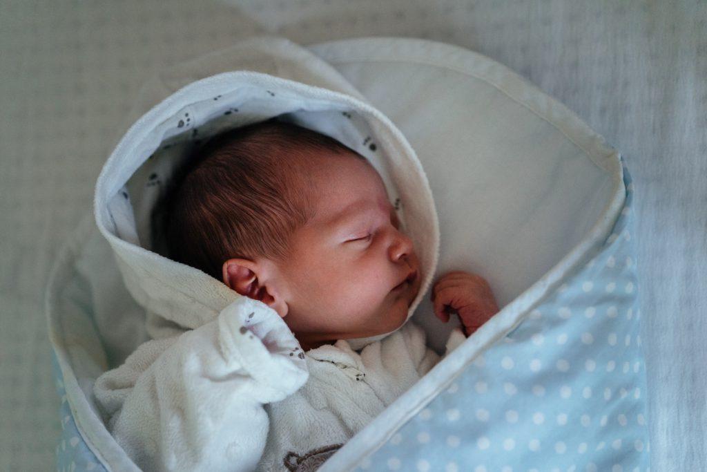 Att ha ett ordentligt sömnchema för en bebis är A och O