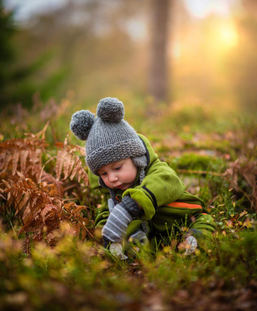 Barn som lär sig sitta för tidigt kan få problem senare i livet, ge det tid