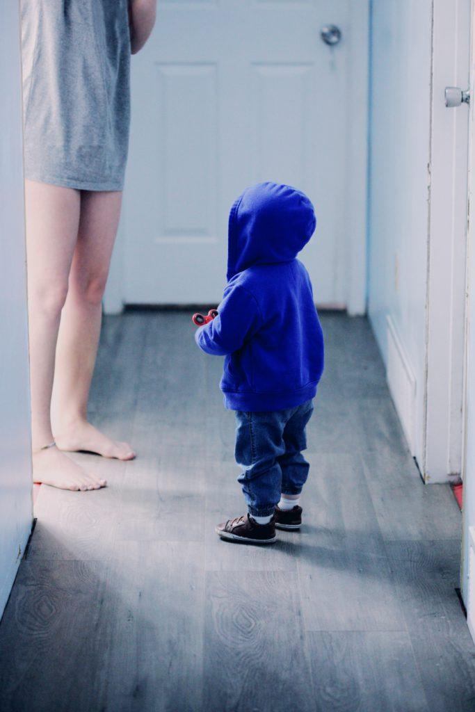 Ett barn som ifrågasätter mammans gränser