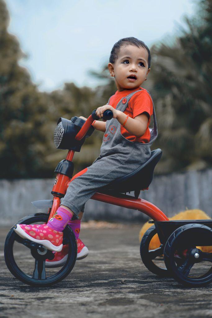 Lära barn cykla är tidskrävande men 100% värt det