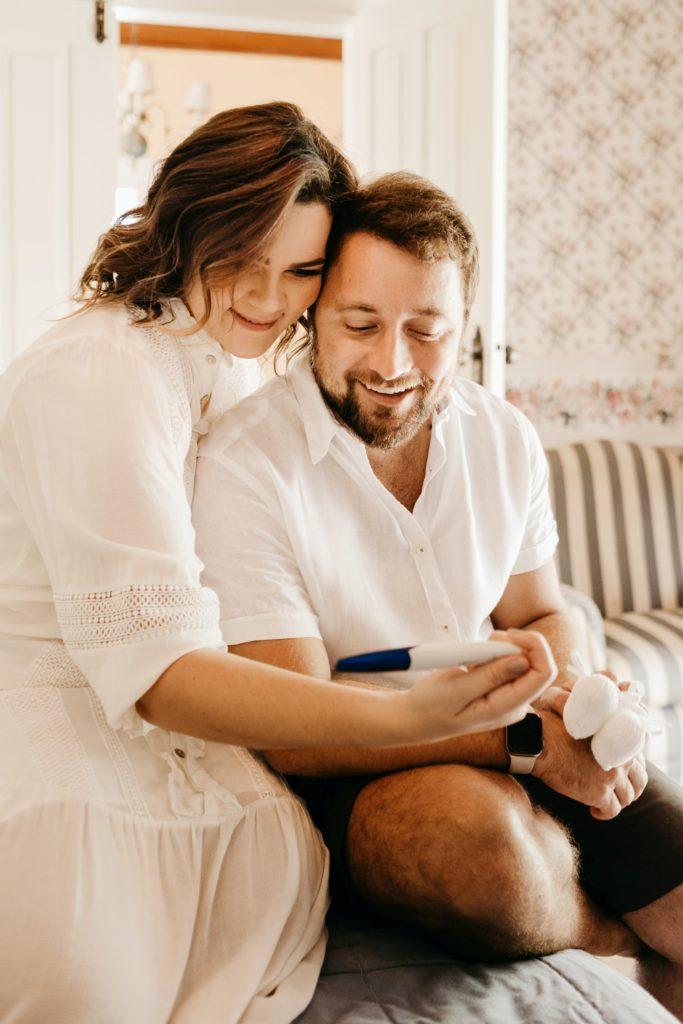 Självklart är det bästa sättet att reda ut sina tecken på graviditet på genom ett graviditetstest