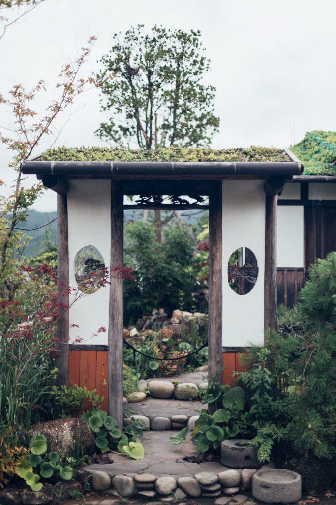 för bäst trädgårdsinspiration bör vi se så mycket olika trädgårdar som möjligt